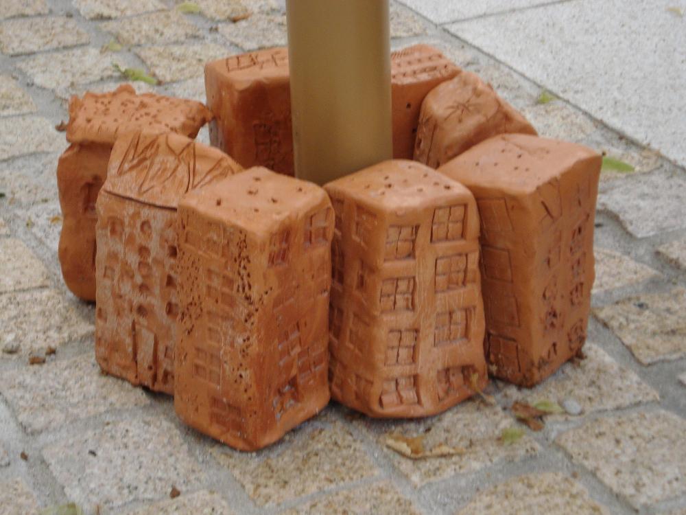 Daginstitutioner bygger huse omkring gadens træer, Slovenien_1